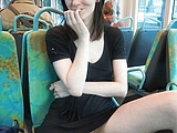Nackt Muschi Shots Bilder von Cute Girlfriend in Public Bus