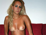 Amateur Blonde Pussy in Nude Undressing Pictures