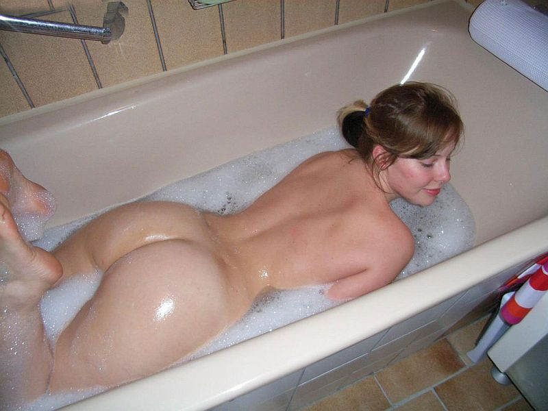 Nude girls sex on toilets variant