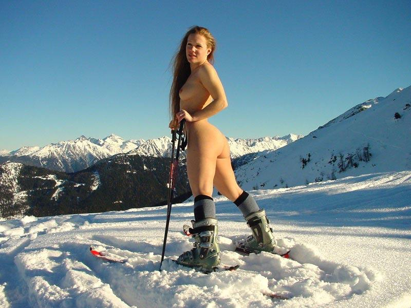 Girl Skiing Totally Nude in Vacation