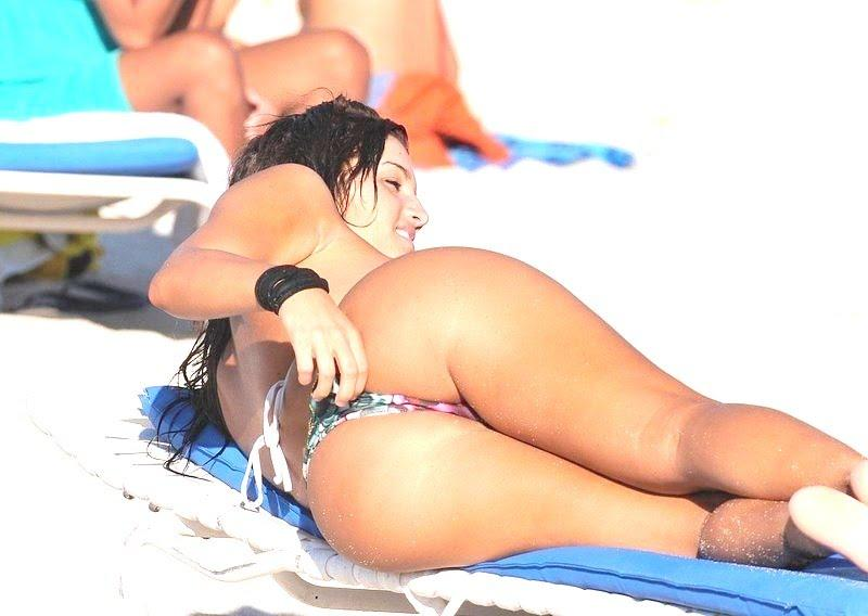 Romanian Girl Sexy Ass at the Public Beach