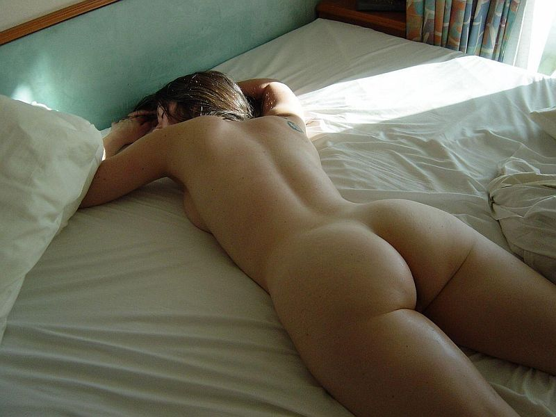 Chubby Australian Girlfriend Sleeping Totally Nude