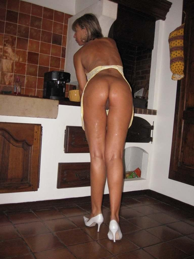 wife cooking naked