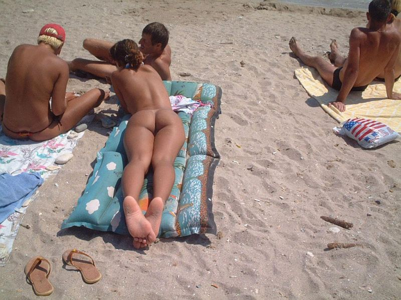 Exhibitionist Girl Nude at Beach with Friends