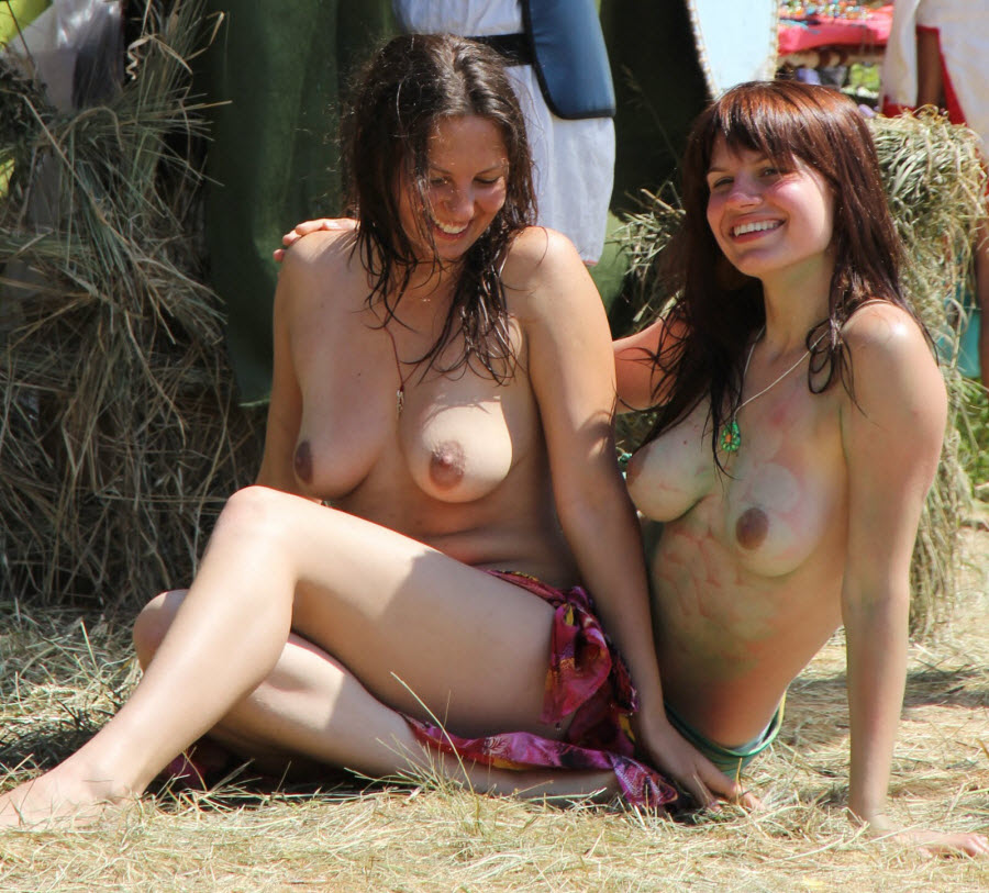 American Girls Totally Naked in the Beach Free Photo