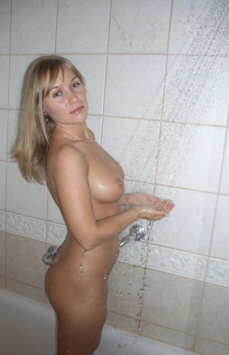 My wife nude in shower right!