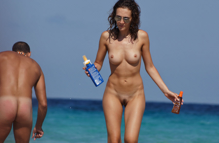Skinny White Wife Totally Nude at Public Beach