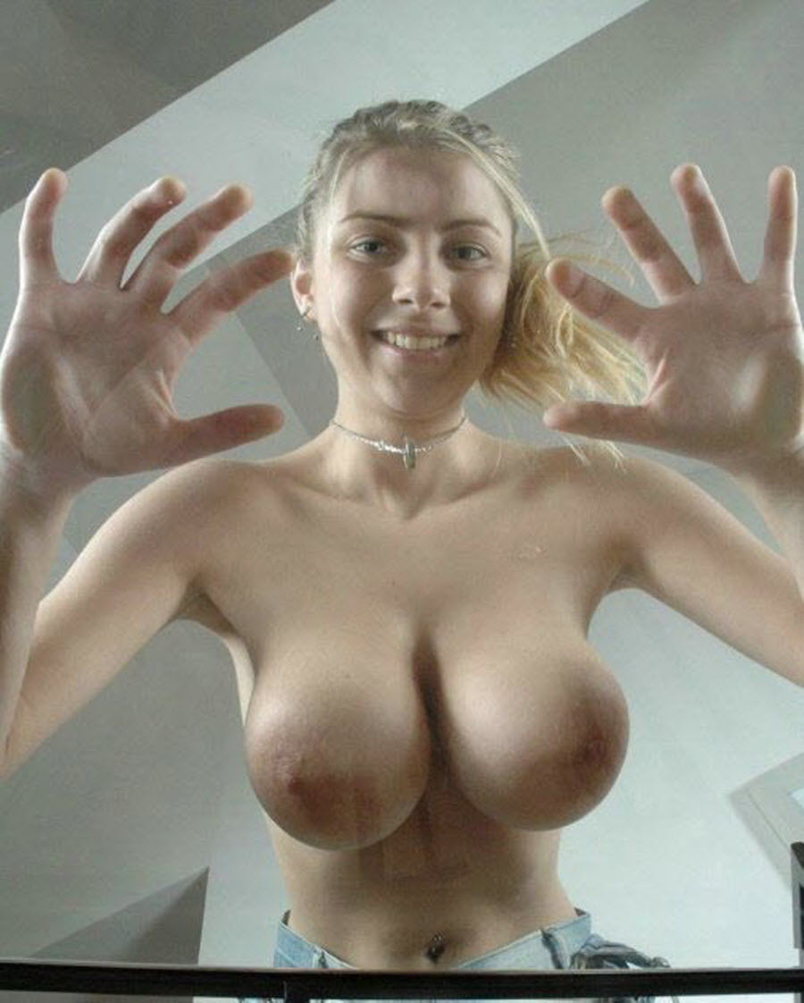 Big natural girlfriends boobs