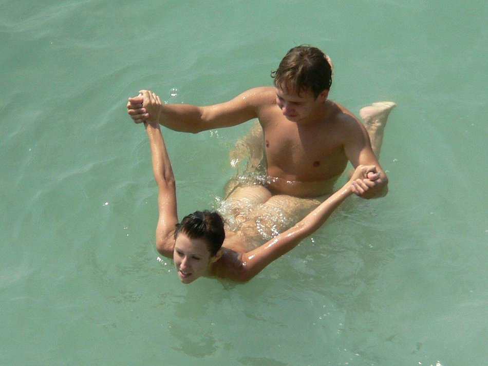 Hot And Sexywoman Fucking At The Beach Photos