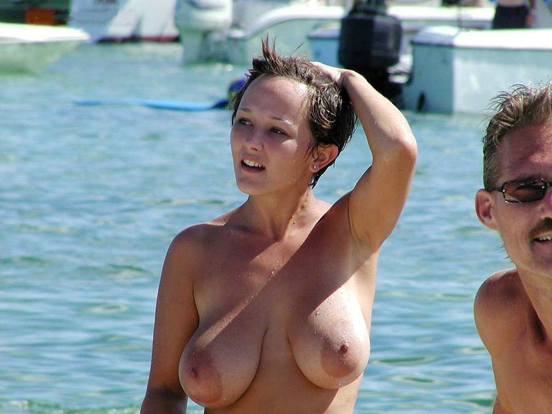Hot Nude Amateur Woman with Big Boobs at the Beach Photos