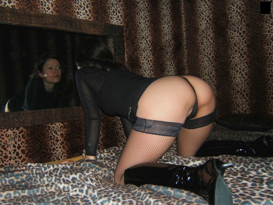 Hot Wife in Doggystyle Sex Posing for Photo Camera