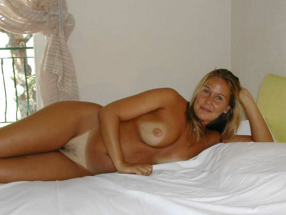 Homemade amateur mature nude