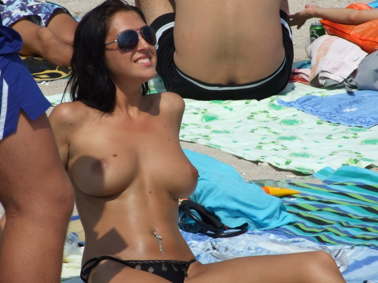 Romanian Nudes At The Beach Picture