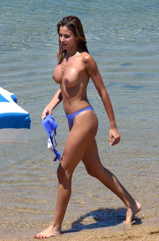Sexy Milf Photos At The Beach
