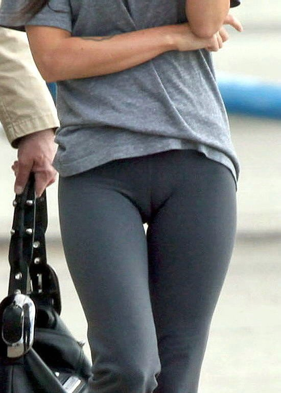 Yoga Pants Camel Toe Of A Really Sey Girl In Her Tight Outfit