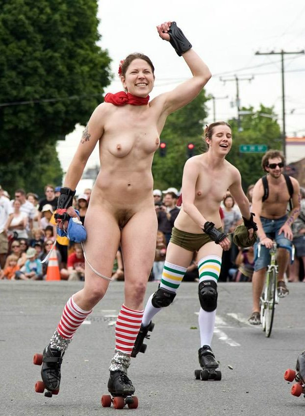 Nude Girls Rollerblading in Public Photo