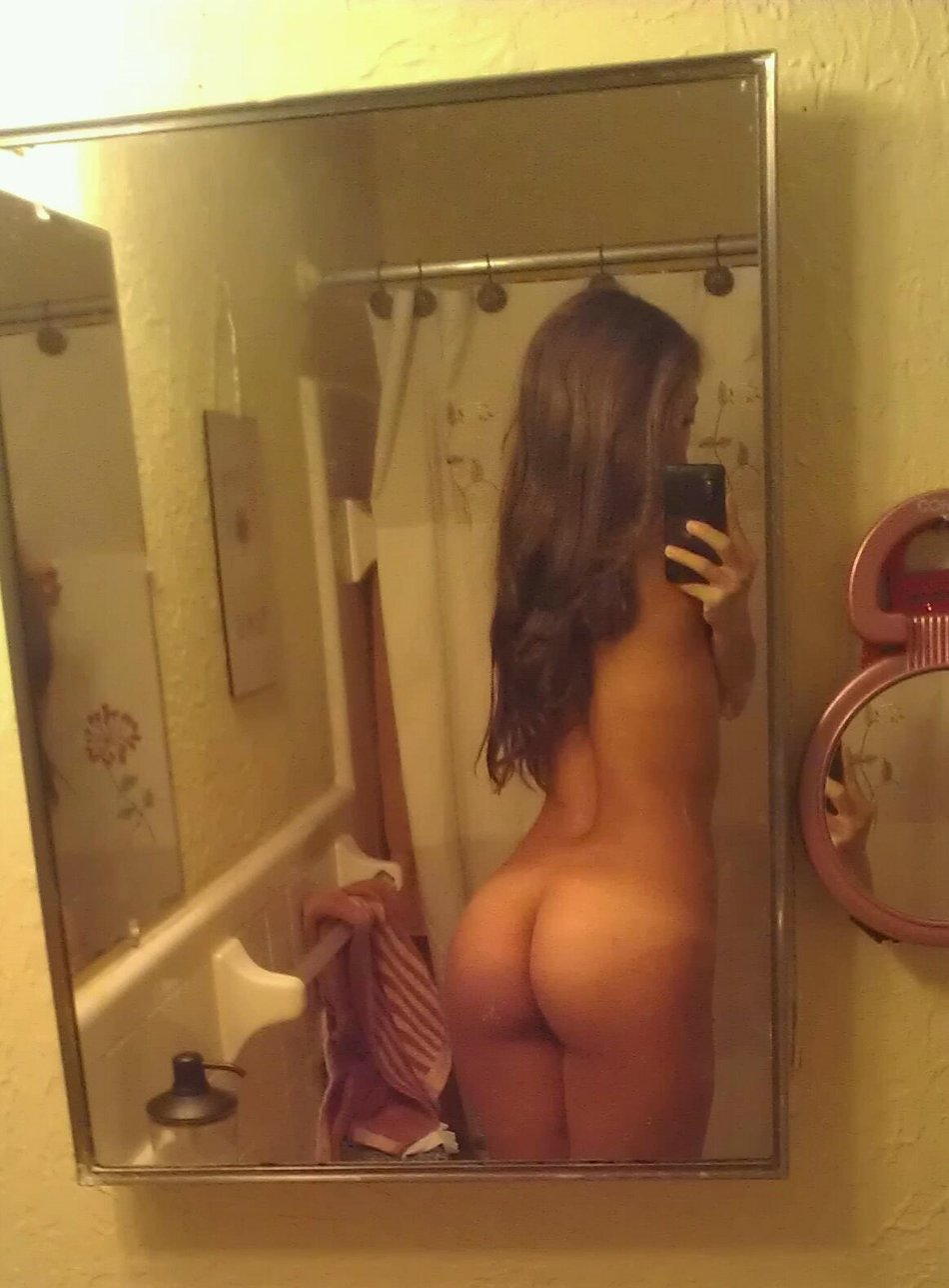 Self shot selfie ass