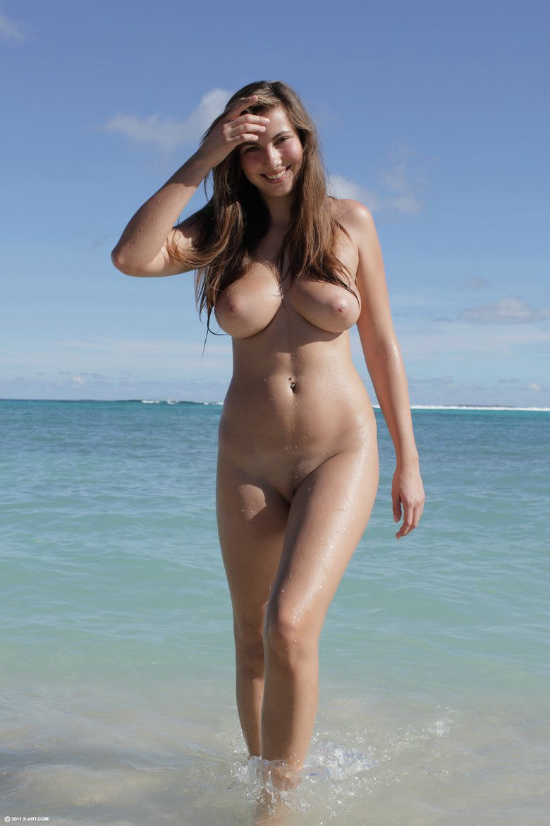 Photos Of Amateur Voyeur Of Naked Women On The Beach