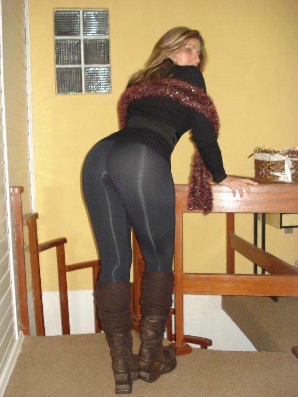 Mujeres en fotos de porno de pantalones de Yoga
