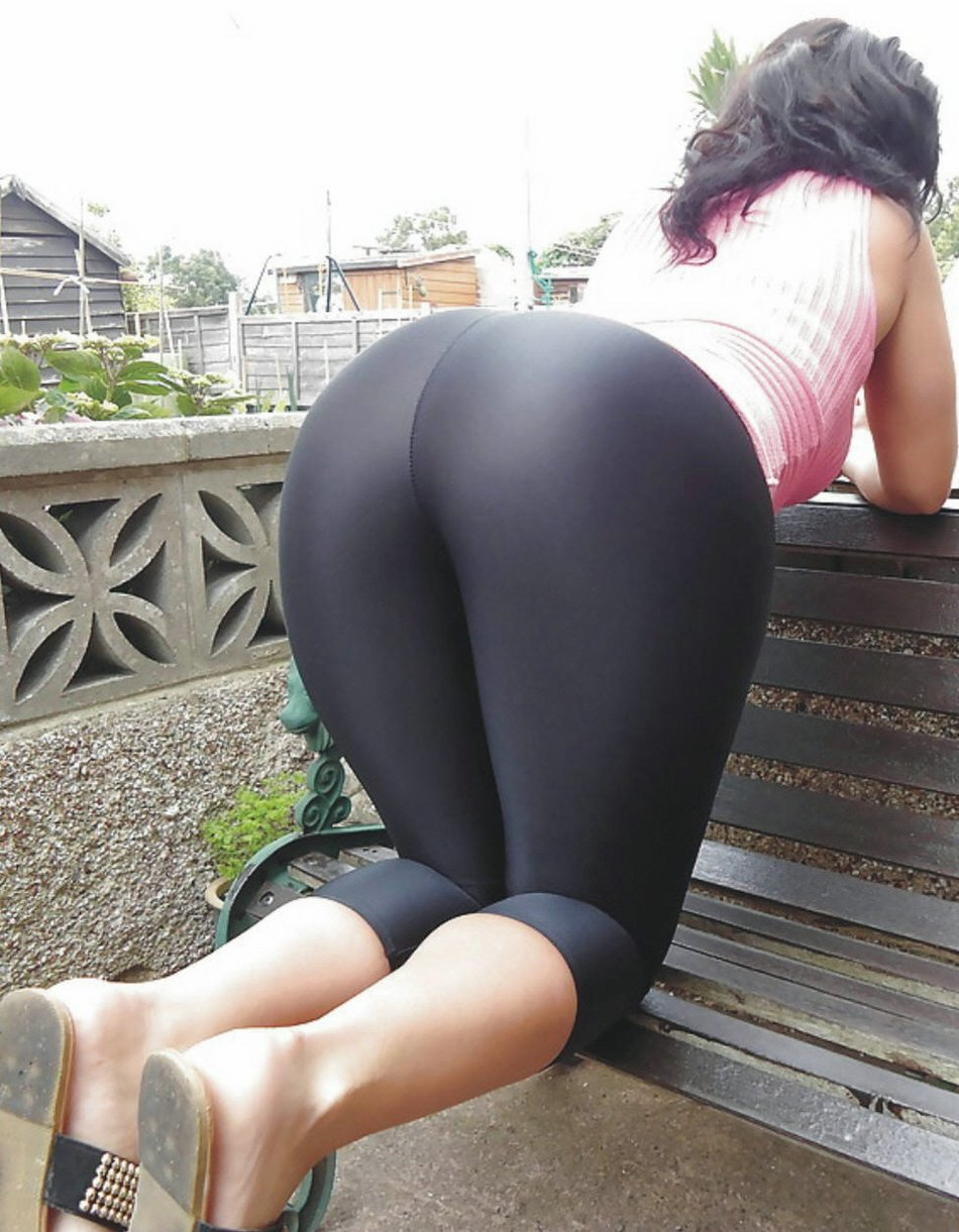 Thick White Girl Yoga Pants