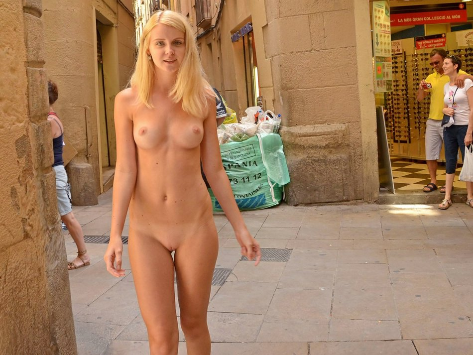 Flashing Pussy Pictures of Hot Naked Blonde Girl in Public